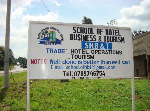 Einweihung des Berufsausbildungszentrums School of Hotel / Business and Tourism in Nyundo- Rugerero (Ruanda).
