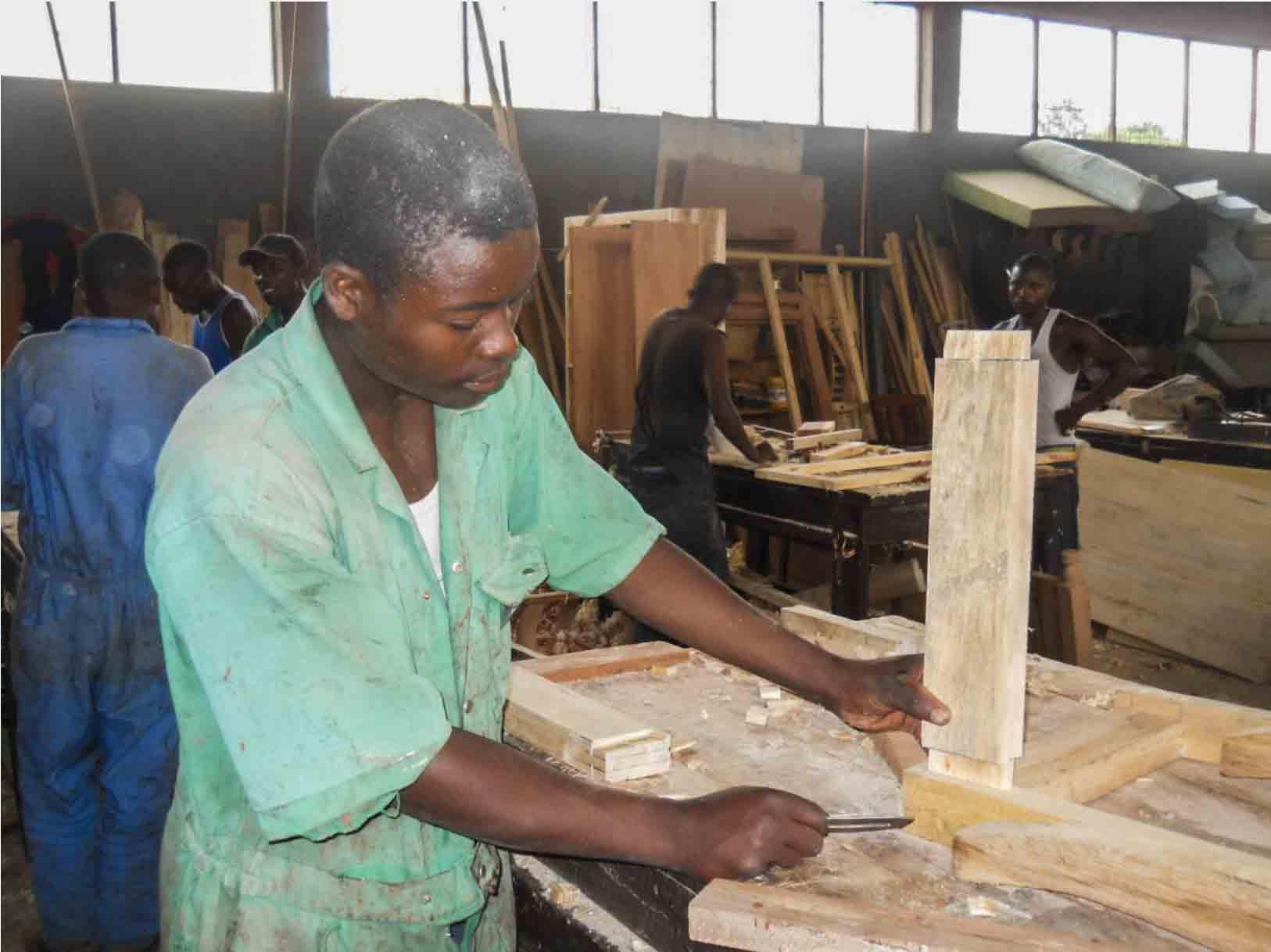 Schreinerausbildung in Ruanda